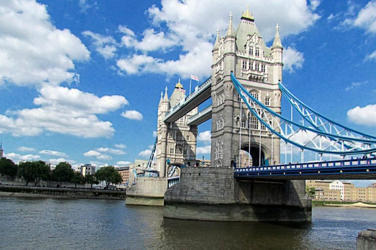 London Tower Bridgeh